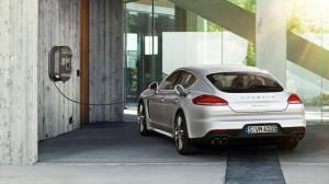 Porsche Panamera S E-Hybrid подзарядка