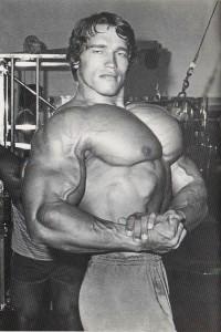 Арнольд Шварценеггер - грудные мышцы