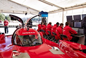 Nissan GT-R LM тесты