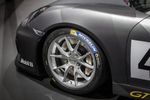 Porsche Cayman GT4 Clubsport 8