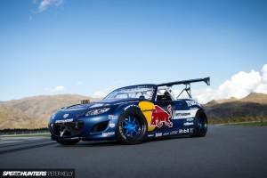 Mazda MX-5 Red Bull 2