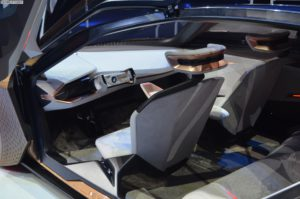 BMW Vision Next 100 1