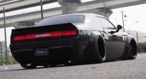 Тюнингованный Dodge Challenger 2016
