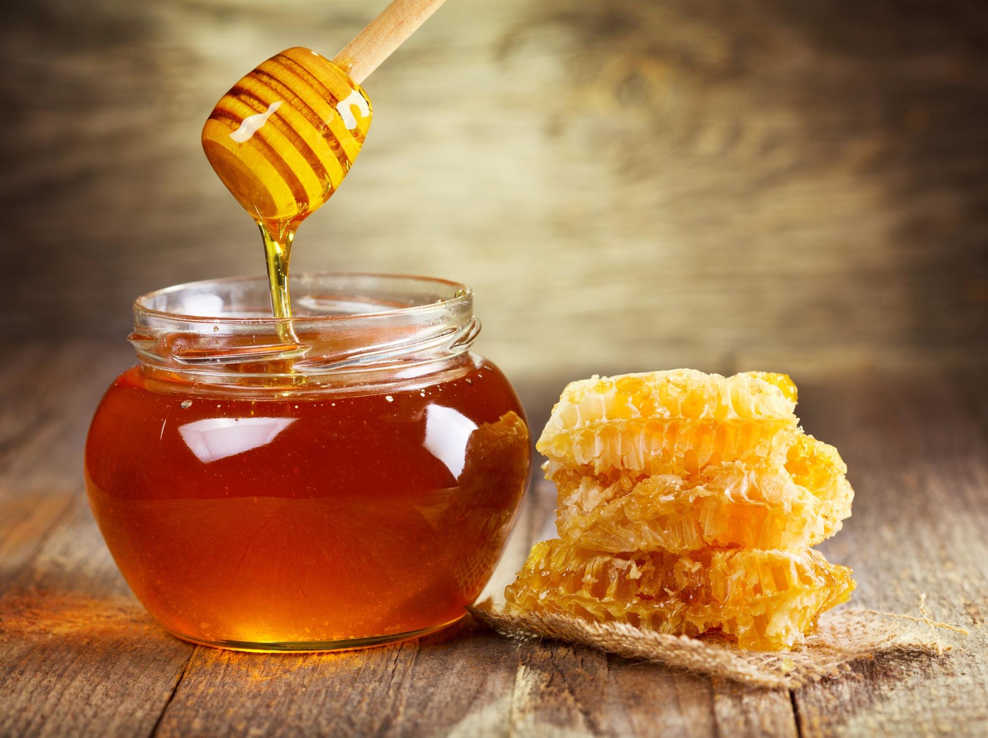 когда на диете почему заменяют сахар мед